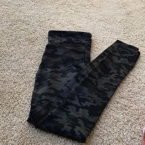 SPANX Pants - NWT! Spanx S/P faux leather camo leggings